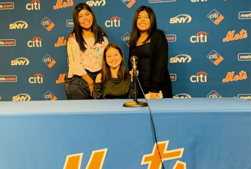 Students Receive New York Mets Award photo